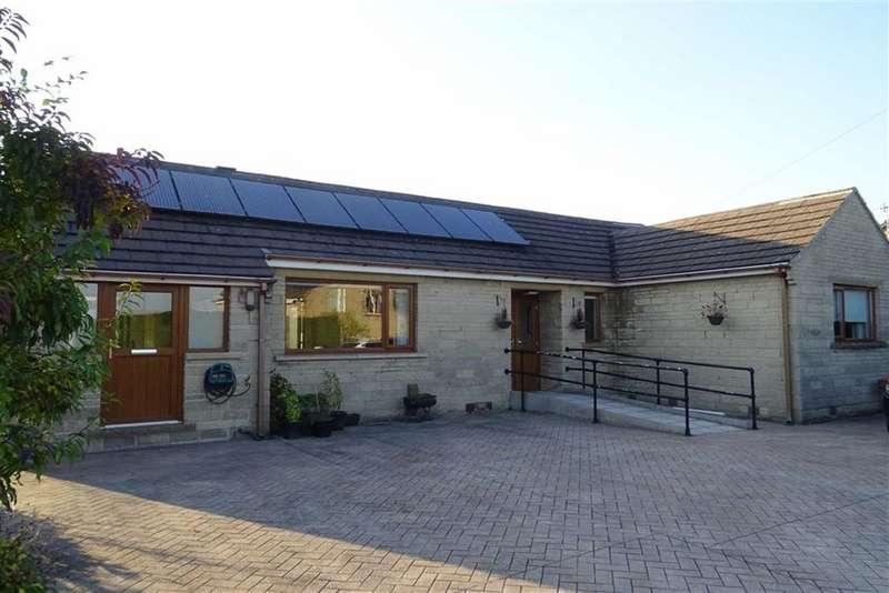 2 Bedrooms Detached Bungalow for sale in Blakeholme Close, Slaithwaite, Huddersfield