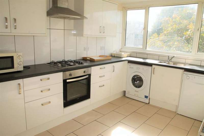 2 Bedrooms Apartment Flat for sale in Athlone Square, Windsor