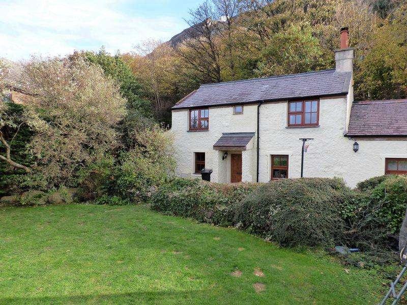 3 Bedrooms House for sale in Y Bwthyn, Tyddyn Drycin, Llanfairfechan LL33 0RH