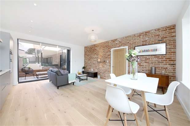 2 Bedrooms House for sale in Upper Tulse Hill, London
