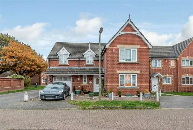 4 Bedrooms Detached House for sale in Minerva Drive, Gosport, Hampshire