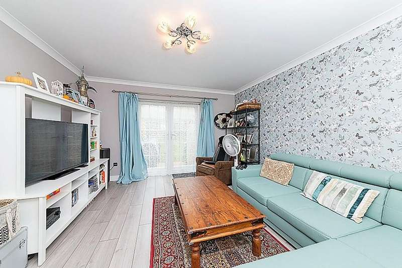 2 Bedrooms Terraced House for sale in Barge House Road, Gallions Reach, E16