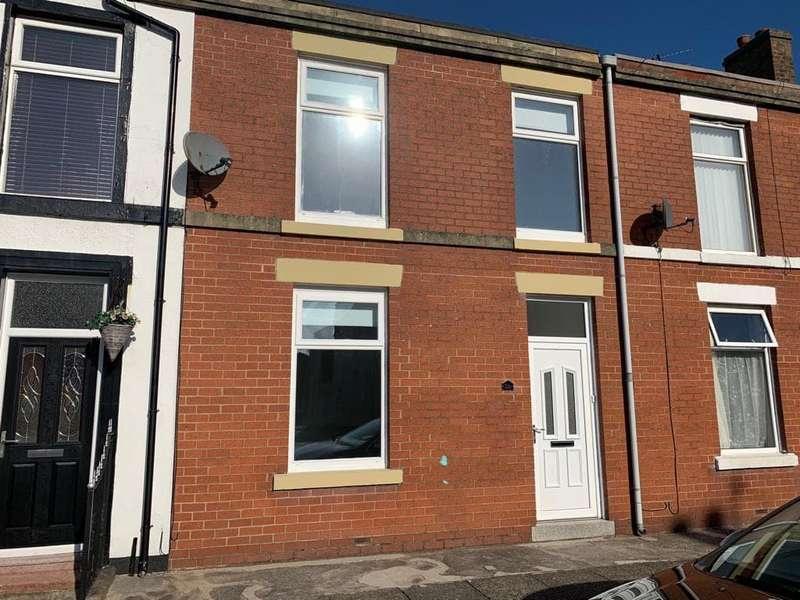 4 Bedrooms Terraced House for sale in Kent Street, Fleetwood, FY7