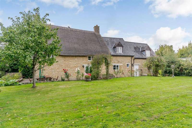 4 Bedrooms Detached House for sale in Church Street, Helmdon, Brackley, Northamptonshire