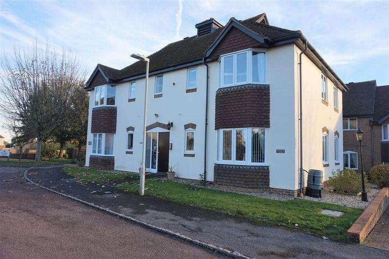 1 Bedroom Apartment Flat for sale in Ferndale Court, Thatcham