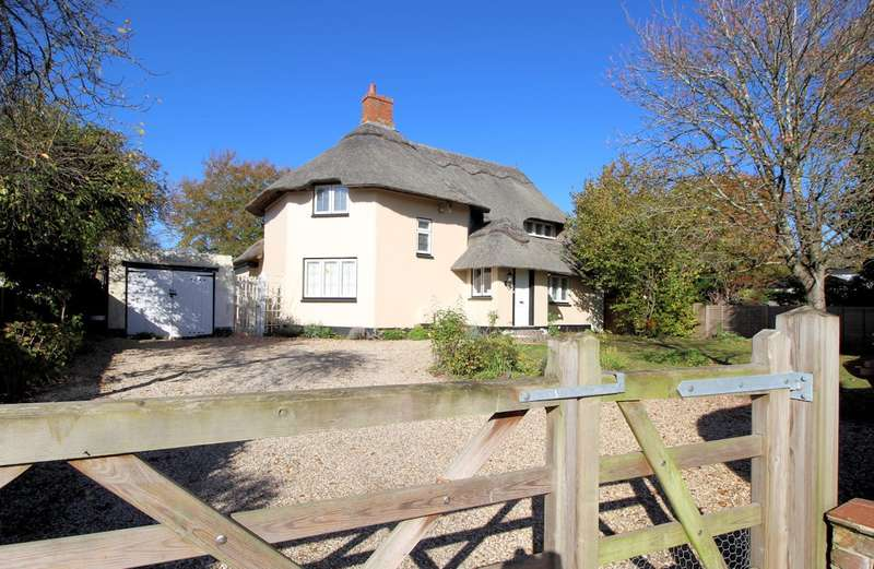 3 Bedrooms Detached House for sale in The Hamlet, Gallowstree Common, RG4