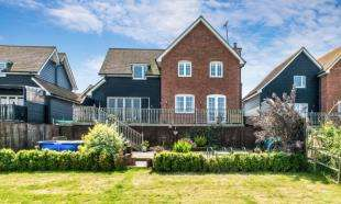 4 Bedrooms Detached House for sale in Wharf Farm, Wharf Lane, Cliffe, Rochester