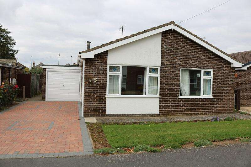 2 Bedrooms Detached Bungalow for sale in No.5 Hix Close, Holbeach, Nr.Spalding, Lincolnshire PE12 7EN