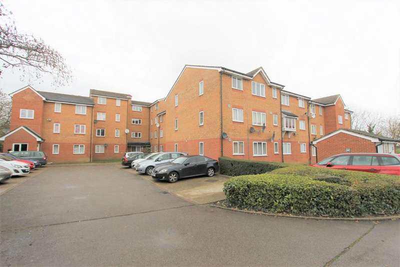 2 Bedrooms Flat for sale in Streamside Close, London