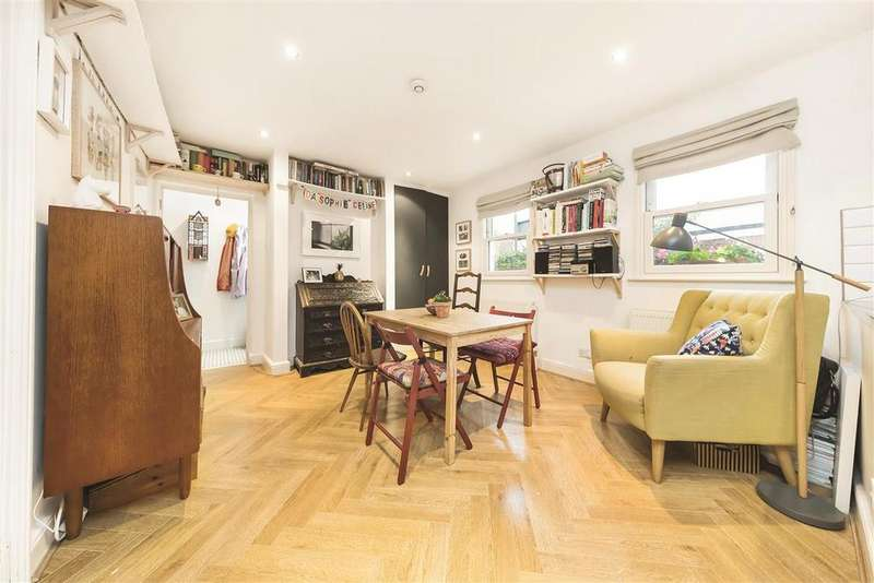 2 Bedrooms Flat for sale in Brandlehow Road, SW15