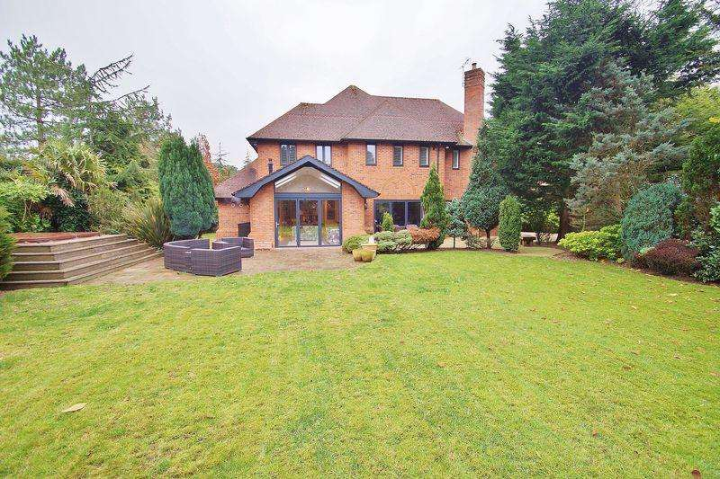 5 Bedrooms Detached House for sale in Victoria Road, Freshfield