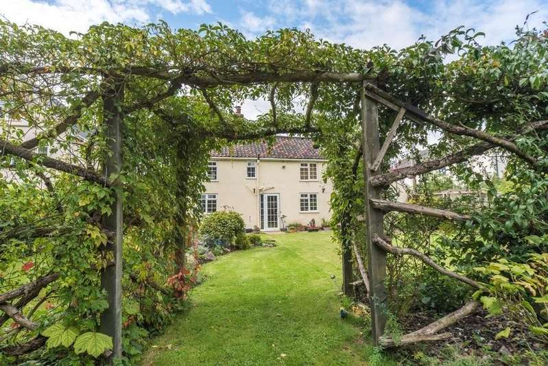 5 Bedrooms Detached House for sale in Mellis