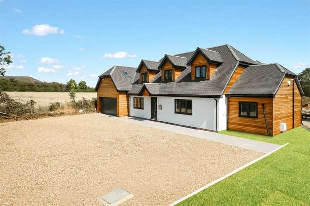 5 Bedrooms Chalet House for sale in Wilden Road, Renhold, Bedford