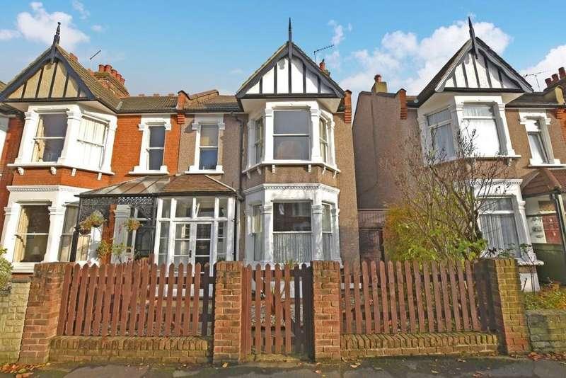 4 Bedrooms End Of Terrace House for sale in Park Road, Aldersbrook
