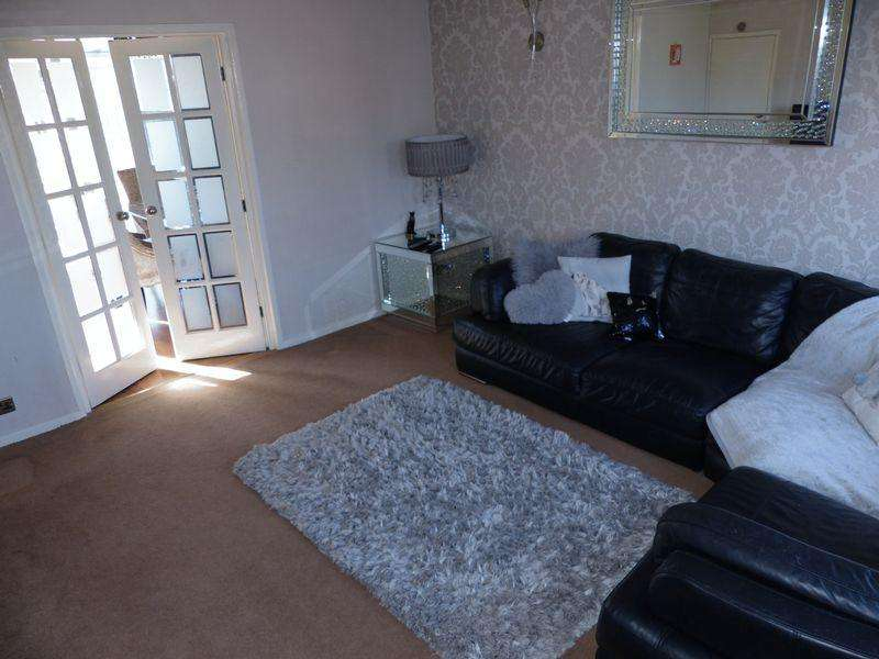 3 Bedrooms House for sale in Counthill Road, Oldham