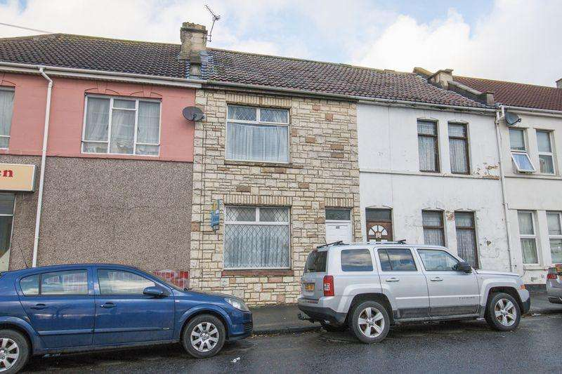 2 Bedrooms Terraced House for sale in Whitehall Road, St George