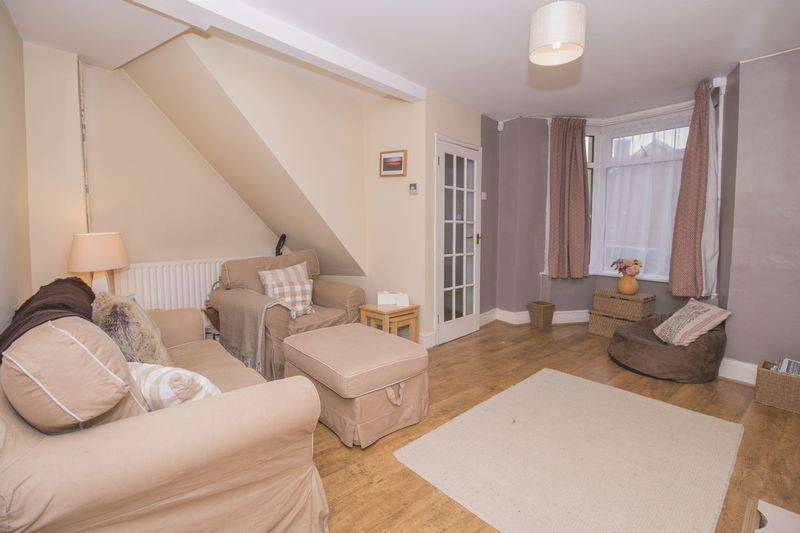 2 Bedrooms Terraced House for sale in Holmes Hill Road, Bristol