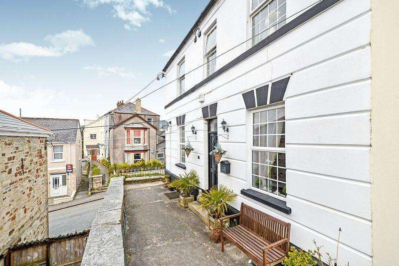 5 Bedrooms Semi Detached House for sale in House 1 bed Apartment - Castle Street, Bodmin