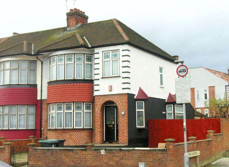 3 Bedrooms Terraced House for sale in Great Cambridge Road, London