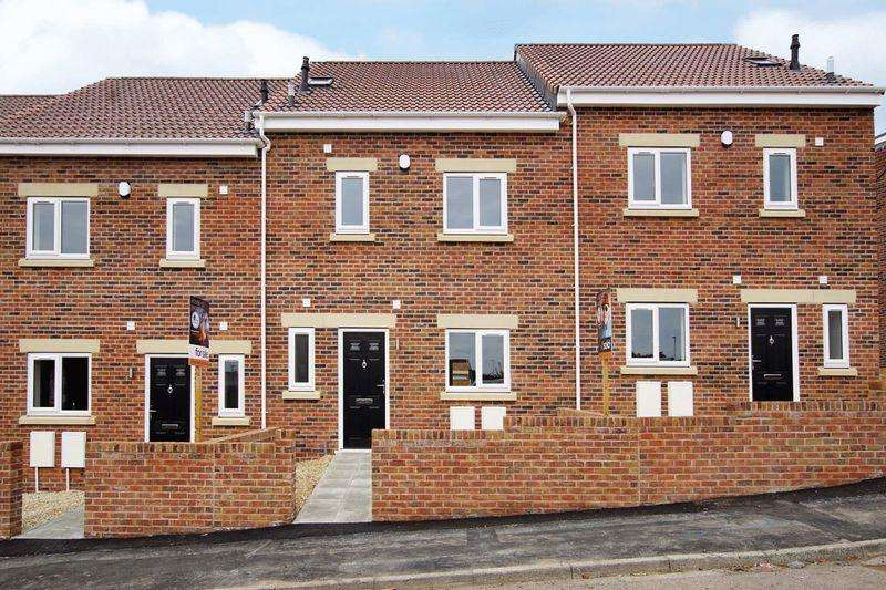 4 Bedrooms Terraced House for sale in Lees Hill, Bristol, BS15 4TL