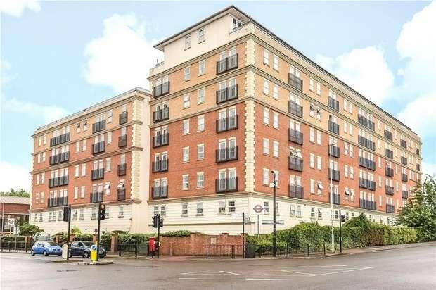 3 Bedrooms Flat for sale in Kings Lodge, Pembroke Road, Ruislip, Greater London
