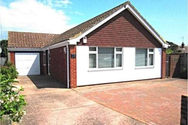 3 Bedrooms Bungalow for sale in Firle Road, Peacehaven