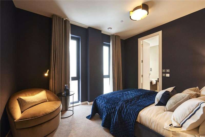 3 Bedrooms Apartment Flat for sale in Manhattan Plaza, Preston Road, London, E14