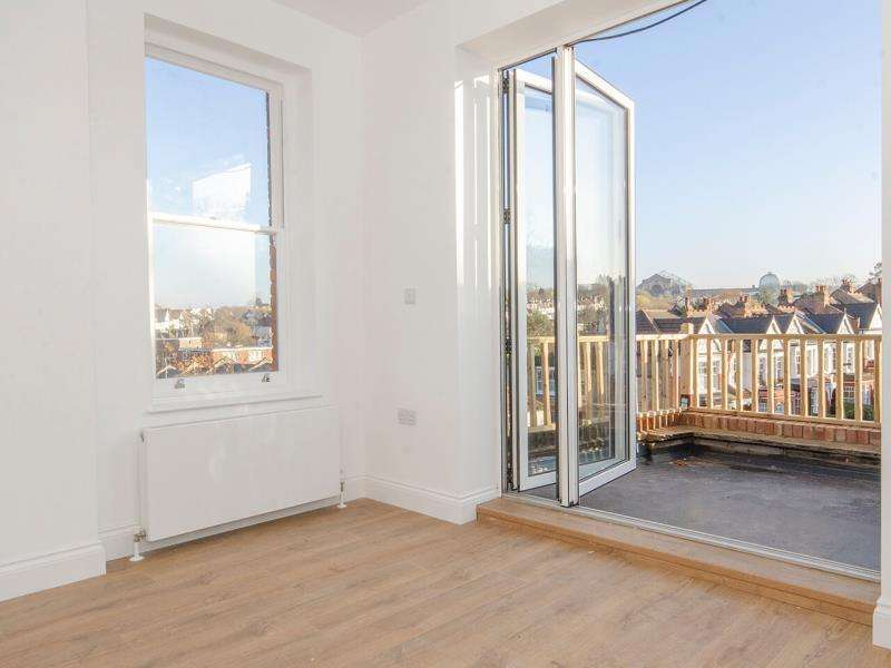 2 Bedrooms Flat for sale in Muswell Hill