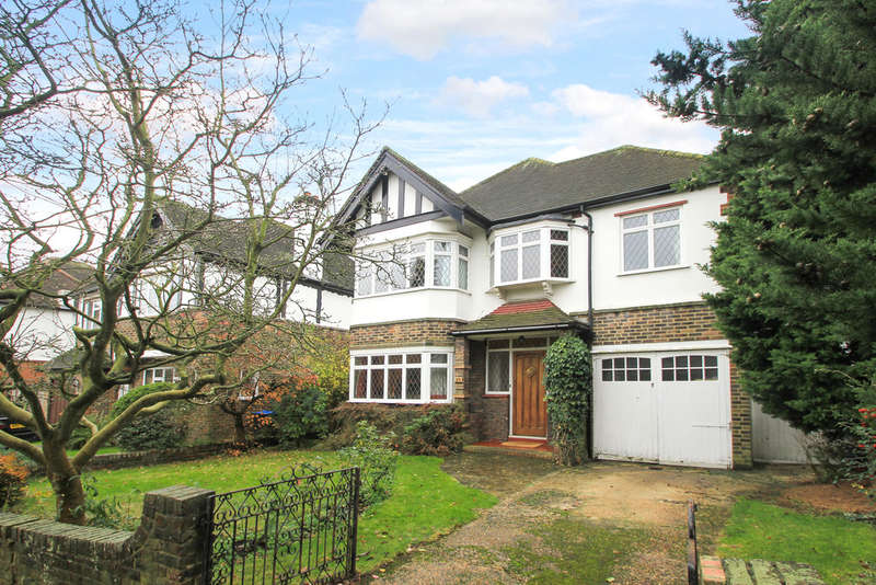 4 Bedrooms Detached House for sale in Pine Walk, Surbiton