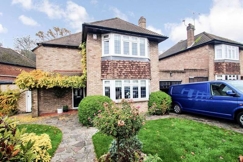 3 Bedrooms Detached House for sale in Willett Way, Petts Wood, Kent, BR5 1QE