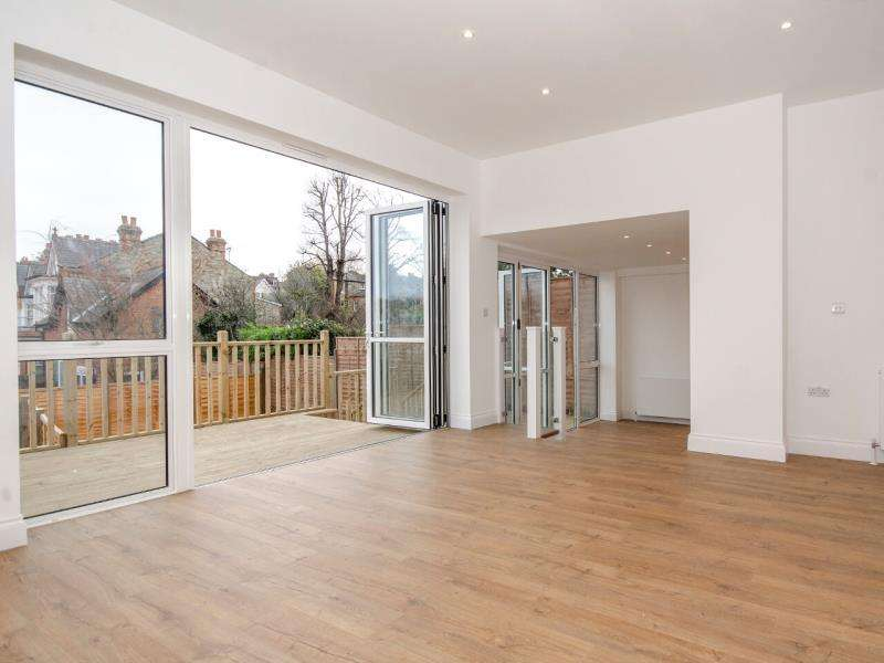 3 Bedrooms Ground Flat for sale in Muswell Hill