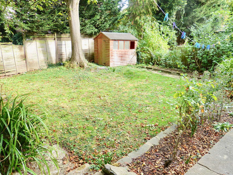 4 Bedrooms Semi Detached House for sale in BROOKSIDE ROAD, GOLDERS GREEN, LONDON, NW11