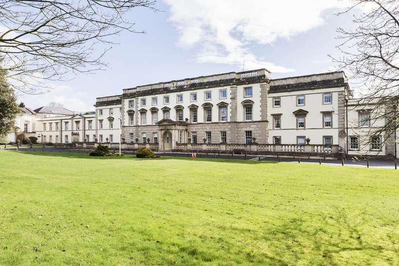 2 Bedrooms Apartment Flat for sale in Bath Road, Bristol