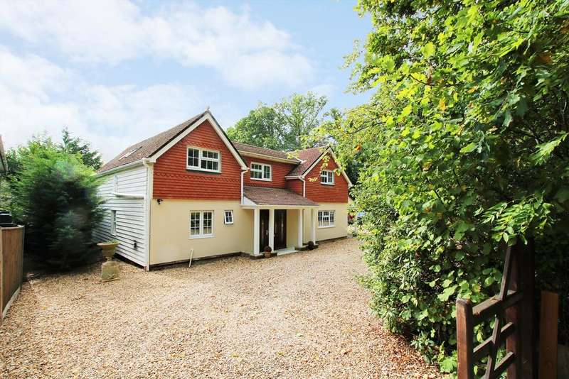4 Bedrooms Detached House for sale in Forest Lane, Hightown Hill, Ringwood, BH24