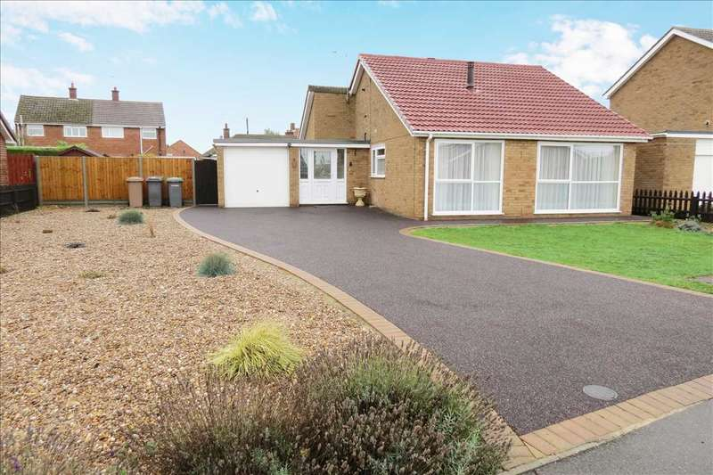 3 Bedrooms Detached Bungalow for sale in Russell Road, Leasingham