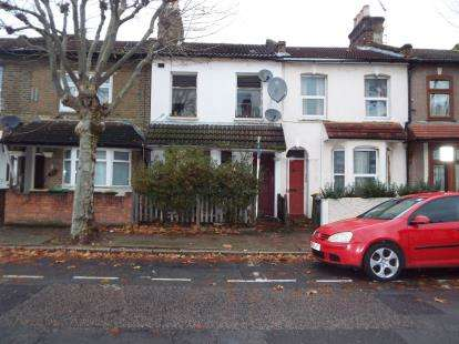 1 Bedroom House for sale in Stratford, London, England
