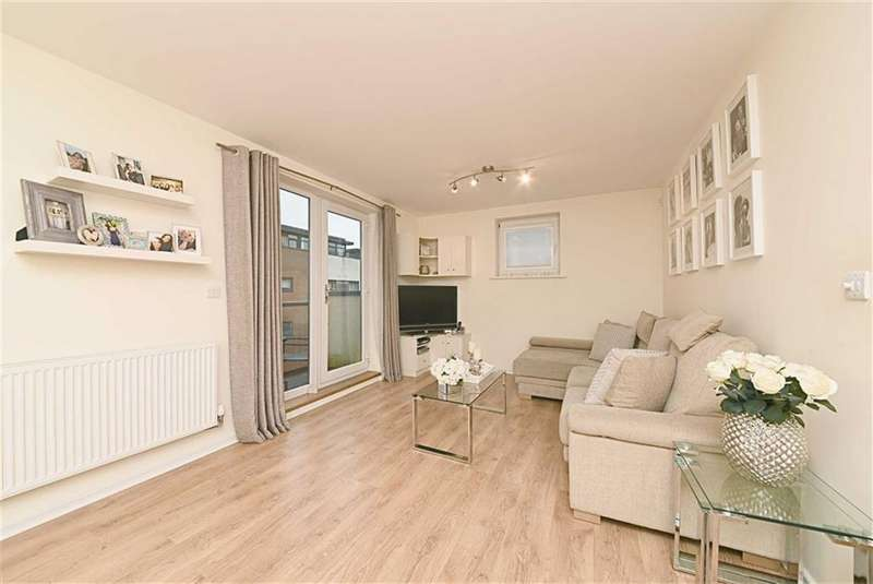 2 Bedrooms Flat for sale in Peacock Close, Mill Hill, London, NW7