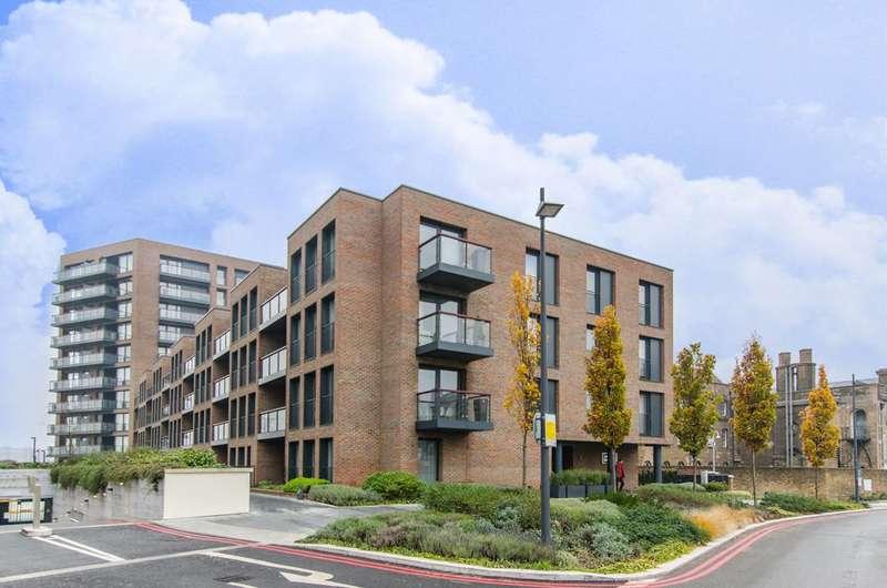 2 Bedrooms Flat for sale in Duke of Wellington Avenue, Woolwich, SE18
