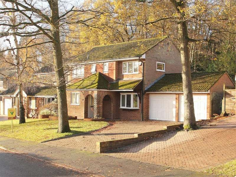 4 Bedrooms Detached House for sale in Westerdale Drive, Frimley, Camberley, Surrey