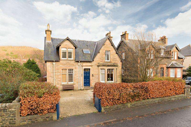 4 Bedrooms Detached House for sale in Carnethy, Springhill Road, Peebles, EH45 9ER