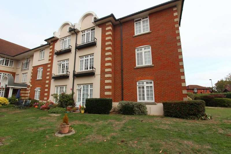 2 Bedrooms Flat for sale in Crothall Close, 19 Everard Court
