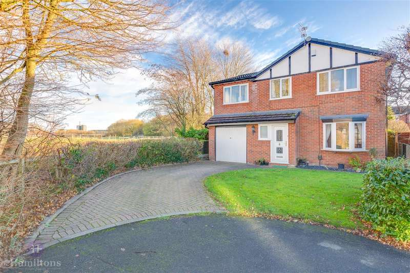 4 Bedrooms Detached House for sale in Acorn Close, Pennington, Leigh