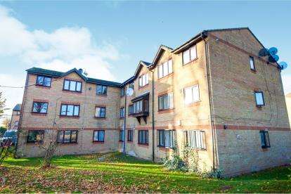 1 Bedroom Flat for sale in Wigston Close, Upper Edmonton, London