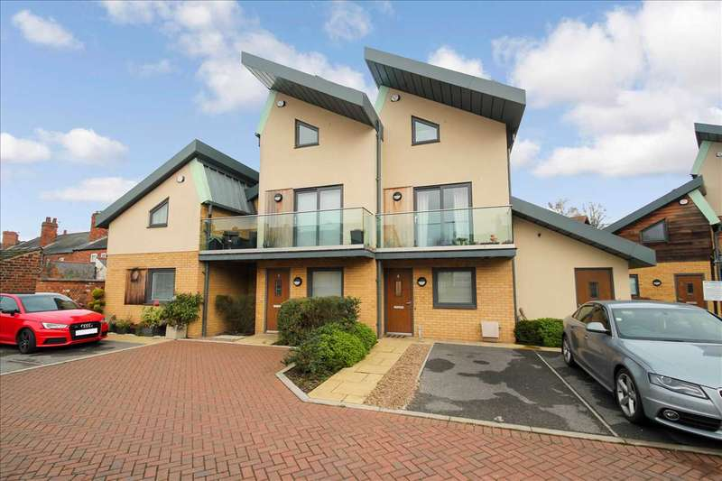 2 Bedrooms Terraced House for sale in Cuthberts Yard, Lincoln