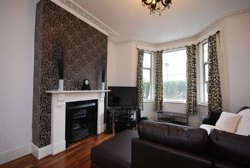 5 Bedrooms House for rent in Whellock Road, Bedford Park, W4