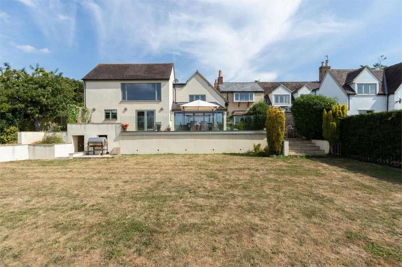 5 Bedrooms Semi Detached House for sale in School Lane, Southam, Cheltenham
