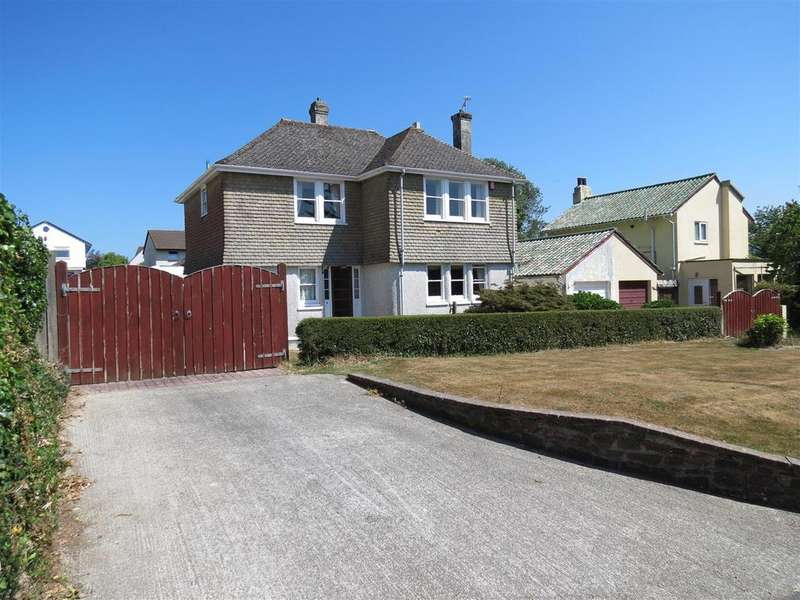 3 Bedrooms Detached House for sale in Beach Road, Carlyon Bay, St. Austell