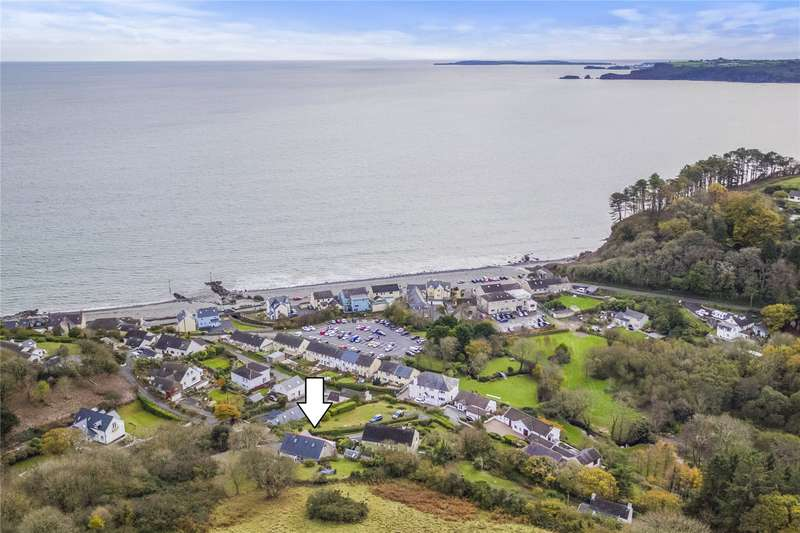 3 Bedrooms Detached Bungalow for sale in Aitrang, Amroth, Narberth, Pembrokeshire