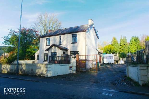 4 Bedrooms Detached House for sale in Sheffield Road, Chesterfield, Derbyshire