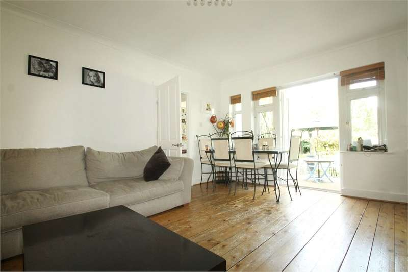 3 Bedrooms Maisonette Flat for sale in South Woodford